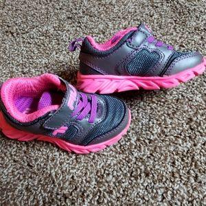 Little girl's Fila sneakers